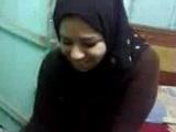 Amateur Hijab Muslim Girl Playing With Her Boyfriend